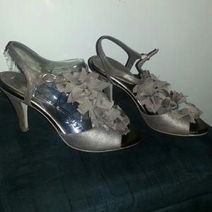 Banana republic Taupe mettalic shoes